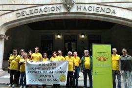 Concentración para conmemorar el centenario de la revuelta de Mallorca contra Hacienda