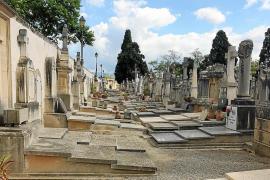 Al menos un 10 % de las tumbas del cementerio de Palma están abandonadas