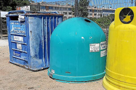 Contenedores de basura en el municipio mallorquín de Sa Pobla