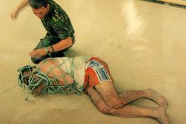 El Ejército británico enseña a sus soldados a torturar a prisioneros