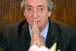 La muerte de Néstor Kirchner por un paro cardíaco conmociona a Argentina