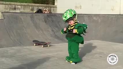 Wyatt, el bebé 'skater' que enamora a las redes