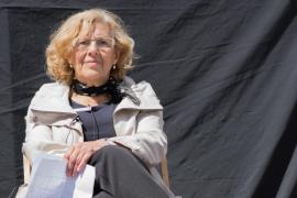 Interrumpen el pleno del Ayuntamiento de Madrid para trasladar a Manuela Carmena al hospital