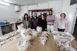 Vila clasifica cerámicas de época medieval y cristiana halladas en Dalt Vila