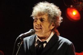Bob Dylan acepta el Premio Nobel de Literatura