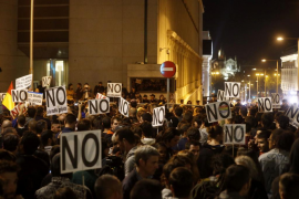 Diputados de Ciudadanos denuncian insultos y lanzamiento de objetos por manifestantes de 'Rodea el Congreso'