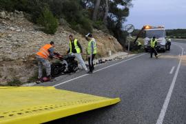 Mueren dos motoristas en la carretera de Fornells