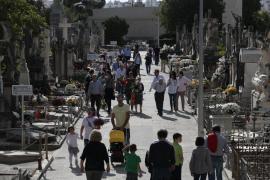 Mallorca rinde homenaje a sus difuntos con motivo del día de Tots Sants