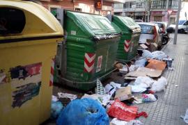 La gente ensucia, Emaya no limpia, la policía no actua