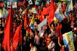 Dilma Rousseff, primera presidenta de Brasil, con más de 50 millones de votos