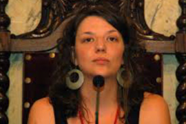 Los Mossos detienen a la alcaldesa de Berga, investigada por no retirar una 'estelada'