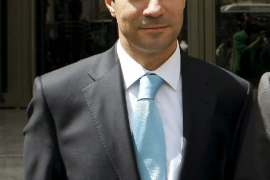 Un exalcalde del PP dice arrepentirse de afirmar que se metió a diputado para «tocarse los huevos»