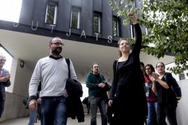 La alcaldesa de Berga sale del juzgado cuatro horas después de ser detenida