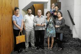Los vecinos de la finca de Pere Garau pasan la noche en vela contra los ocupas