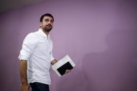 Espinar vendió su piso a la vez que preparaba una manifestación bajo el lema «Sin casa, sin curro»