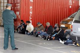 La Guardia Civil detiene a 26 implicados en la venta de ropa de marca falsificada en Mallorca
