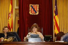 Huertas y Seijas se rebelan y apoyan tres puntos de una moción del PP