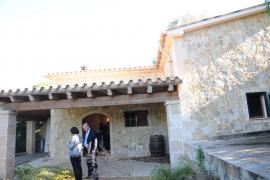 Hidalgo inicia, a su costa, el desmontaje del chalet cuya edificación ilegal le llevó a la cárcel