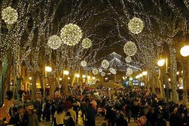 Cort retrasa una semana las luces de Navidad e indigna al comercio