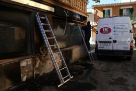 La policía investiga el incendio de cuatro contenedores en Son Sardina