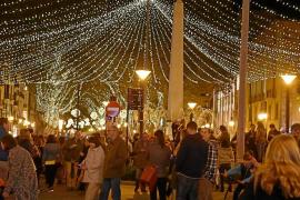El Pacte mantiene el retraso del encendido navideño por «seguridad»