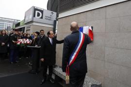 Sentido homenaje en París a las víctimas de los atentados del 13 de noviembre