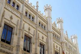 Ensenyat convocará un concurso para 'desalojar' de funcionarios el Consell