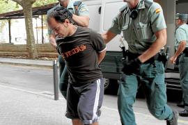 De Abarca revela a un funcionario de prisiones que no actuó solo en el crimen de Ana Niculai