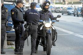 Condenado un hombre por empujar y tirar por un muro a un policía en Palma