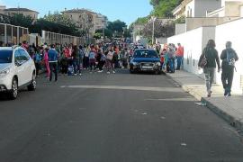 Los escolares de Can Picafort deberán esperar a las 09.00 horas para entrar en el colegio