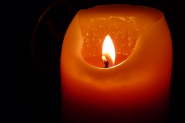Una anciana que tenía la luz cortada muere en un incendio causado por una vela en Reus
