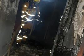Un incendio calcina una vivienda de Palma