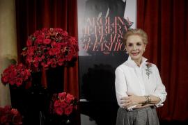 Carolina Herrera cumple 35 años en el mundo de la moda