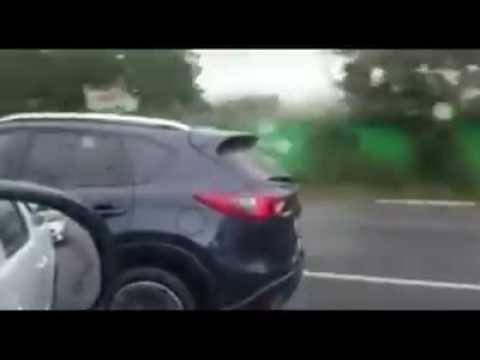 Difunden imágenes de un niño mexicano conduciendo a 100 kilómetros por hora