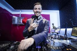Ibiza Global Radio, escenario del 'body painting' de Manu León