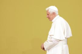El Papa convoca al colegio cardenalicio para tratar los casos de pederastia