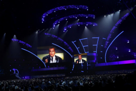 El cantante Dvicio, sobre el Grammy póstumo a Juan Gabriel: «No está, la academia se encargará de hacérselo llegar»