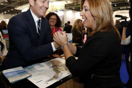 Díaz defiende que la gestora del PSOE está poniendo a los «mejores en cada sitio»