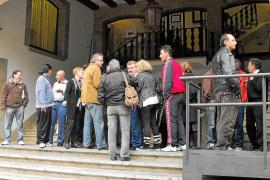 Los vendedores ambulantes se oponen a la subasta de los puestos del mercadillo
