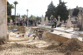 La exhumación de la fosa común de Porreres concluye con la extracción de 52 cuerpos