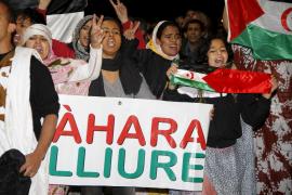Un centenar de personas reclama en Palma el cese de la violencia en el Sáhara