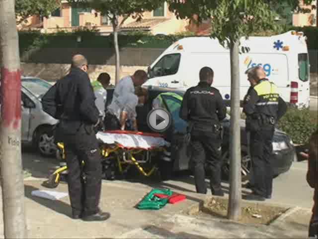 Dos heridos tras una colisión con vuelco entre dos vehículos en la carretera Esporles-Valldemossa