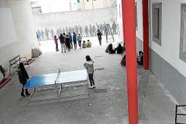 Los patios de los colegios de Artà abren sus puertas al tiempo libre de los jóvenes
