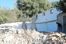 Finaliza la demolición del chalet ilegal del ex alcalde de Andratx Eugenio Hidalgo