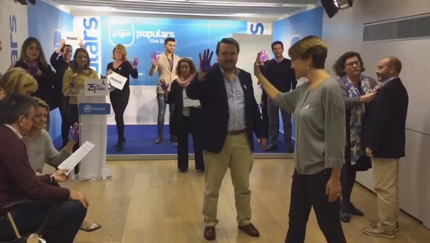 El PP dice 'No' a la violencia contra la mujer con un 'Mannequin'