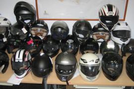 Cinco detenidos por numerosos robos de cascos de motocicleta en Palma