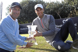 Nadal aventaja a Olazábal en la primera jornada del torneo de golf solidario