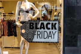 La fiebre del 'Black Friday' en Ibiza