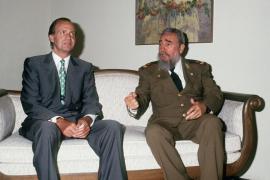 Juan Carlos I y Fidel Castro