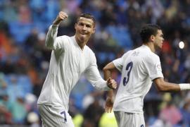 Ronaldo da el triunfo a un gris Real Madrid bajo el diluvio